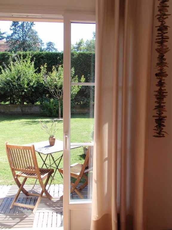 Chambre d hotes le clos des pins brindas pr s de lyon bed and breakfast - Chambres d hotes sausset les pins ...
